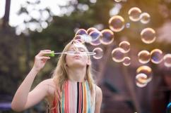 Gwen Bubbles (1 of 1)